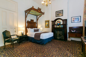 Queen Bedroom Picture 1